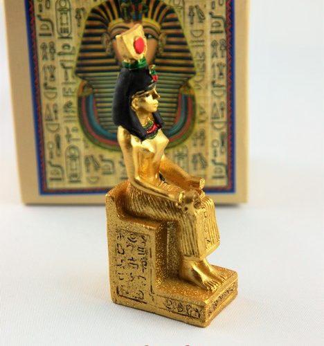 statue isis explorador