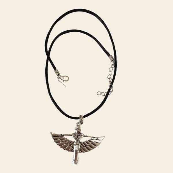 collier deese egyptienne ailes deployees